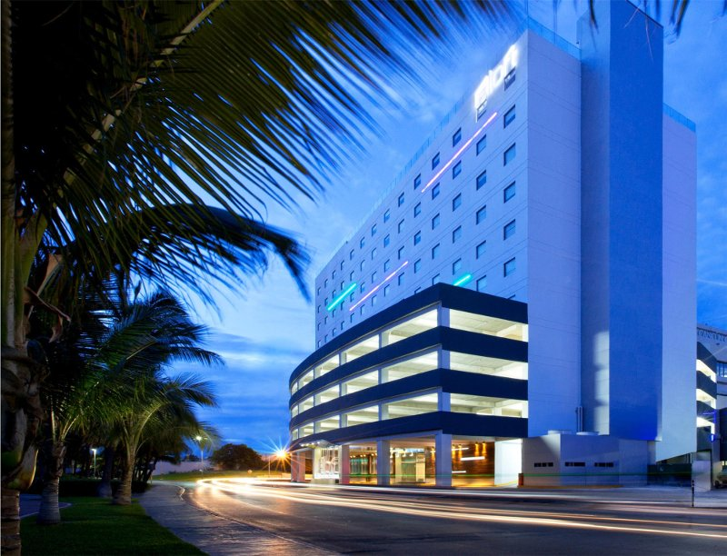 Aloft in Cancun